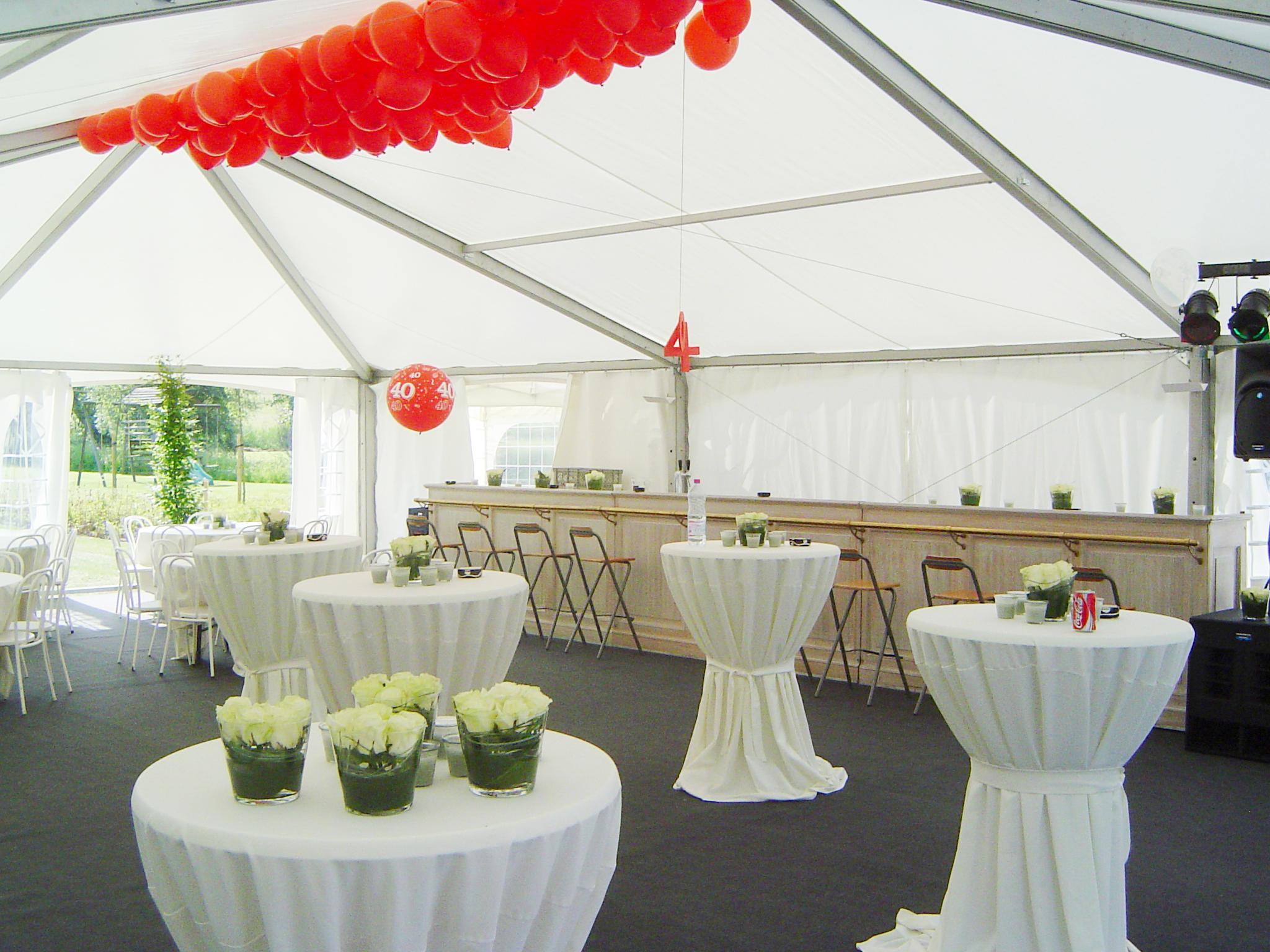 Tent huren | Verhuur feestmateriaal | Verhuur barmeubels | Feestverhuur | Verhuur verlichting